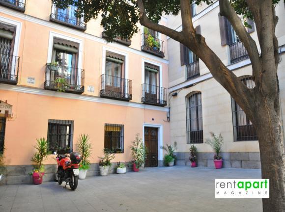 pisos-para-alquilar-por-noches-en-madrid-calle -San-Nicolas.jpg